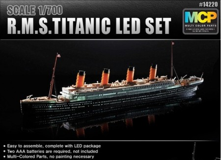 Academy 1/700 R.M.S Titanic MCP (Colored parts) + LED Set