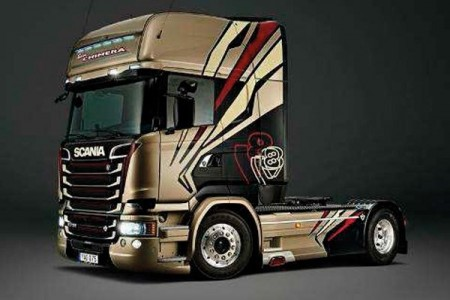 Italeri 1/24 Scania R730 Streamlin Team Chimera