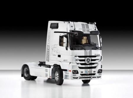 Italeri plastbyggesett 1/24 Mercedes-Benz Actros MP3 No 3884