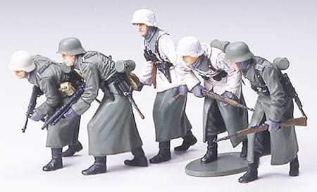 Tamiya 1/35 German Assualt Infantry w/Winter Gear