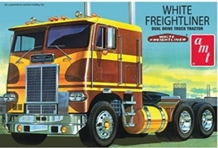 AMT 1/25 White Freightliner Dual Cabover Tractor