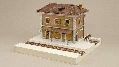 Italeri byggesett 1/72 Station No 6162