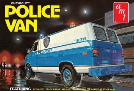 AMT 1/25 Chevrolet Police Van (NYPD)